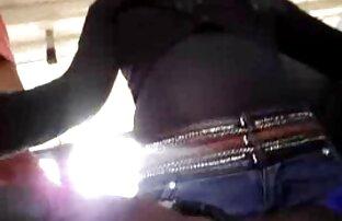 Double action des vidéos de sexe gratuit de branlette avec une salope aux gros seins