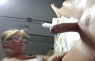 Teen GF vidéo pornographique xxx avec des accolades obtenir un creampie anal