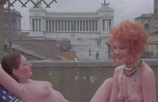 Chatouiller film porno italien gratuit et plumes