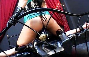 All film porno vintage gratuit Natural Maggie Green joue avec un jouet sexuel vert vif!
